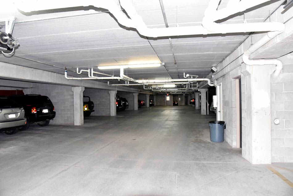 210Gray - Heated parking garage for residents